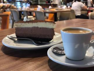 O irresistível café com bolo de Joinville