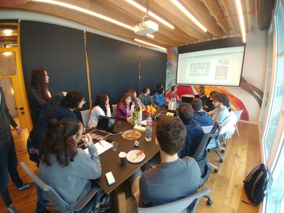 """ביקור מגמת הנדסת תוכנה משכבת י""""א בחברת הייטק לשם פיתוח תוכנה בצוות"""