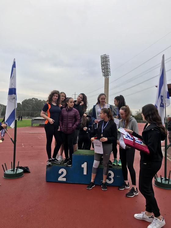 בנות האתלטיקה  זכו במקום הראשון