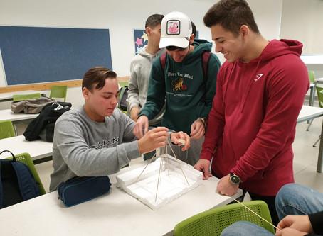 מתמטיקה באמצעות  בניית דגמי פרמידות