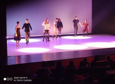 """תלמידי הגימנסיה במופע """"רחבת הריקודים"""""""