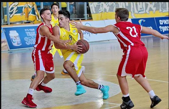 נבחרת הכדורסל עלתה לרבע הגמר לאחר ניצחון כפול על בליך רמת גן.