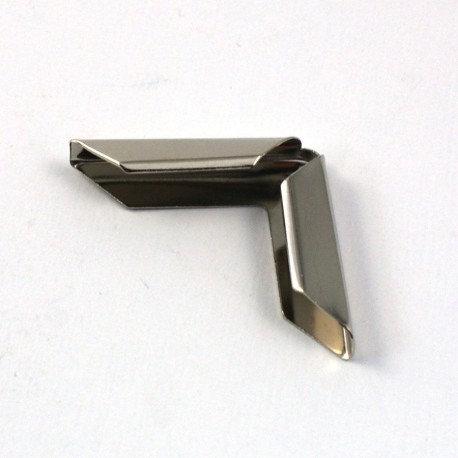 Coin métal argenté