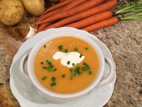 Sopa Cremosa de Cenoura, Batatas e Caldo de Galinha - Rica em Nutrientes, Prebioticos e Probioticos