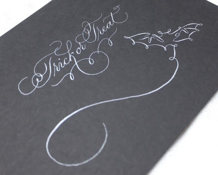 halloween-suite-calligraphy-black-bat.jp