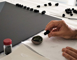 Magnetic paint and iron powder