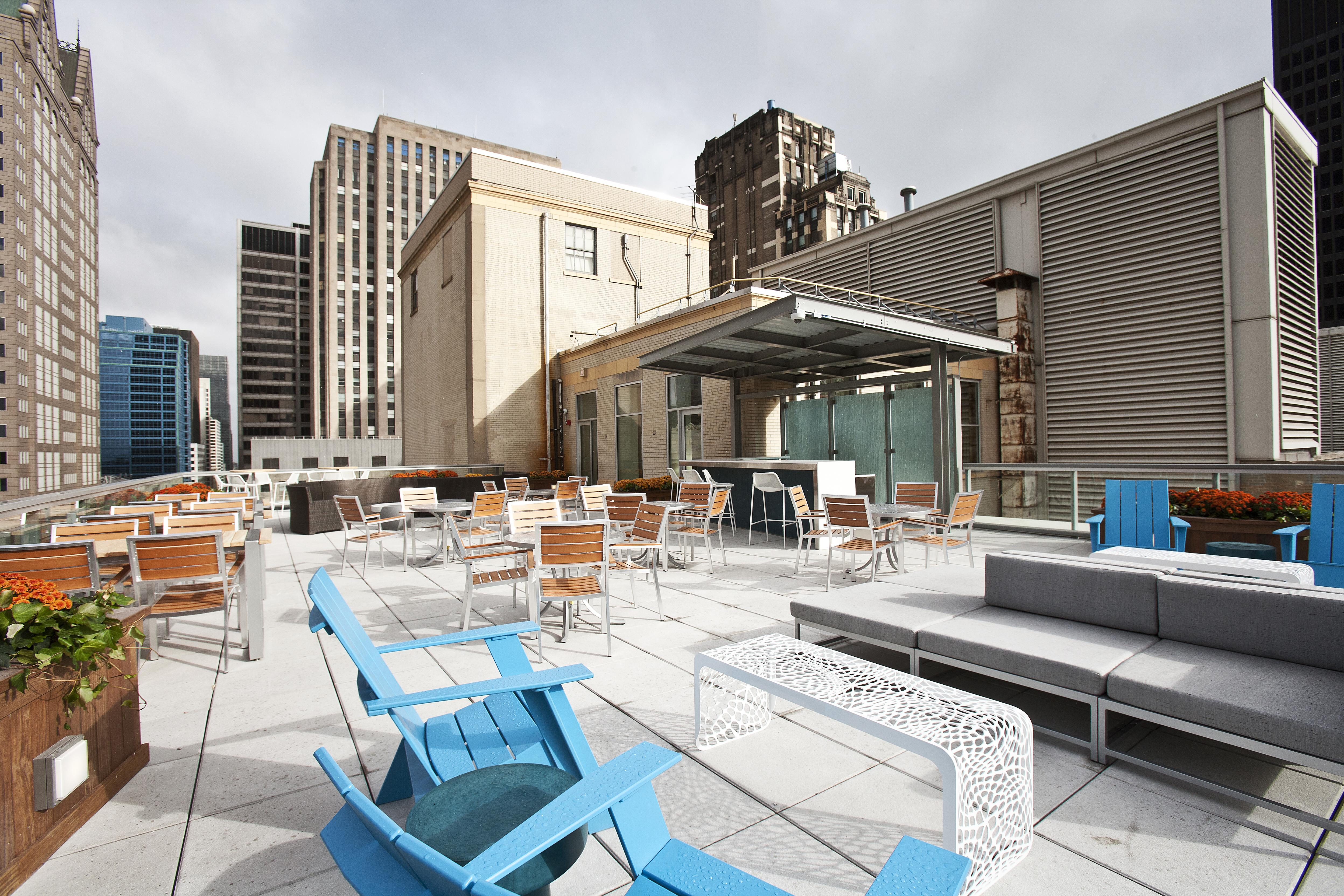 231 N. Lasalle - Roof Deck