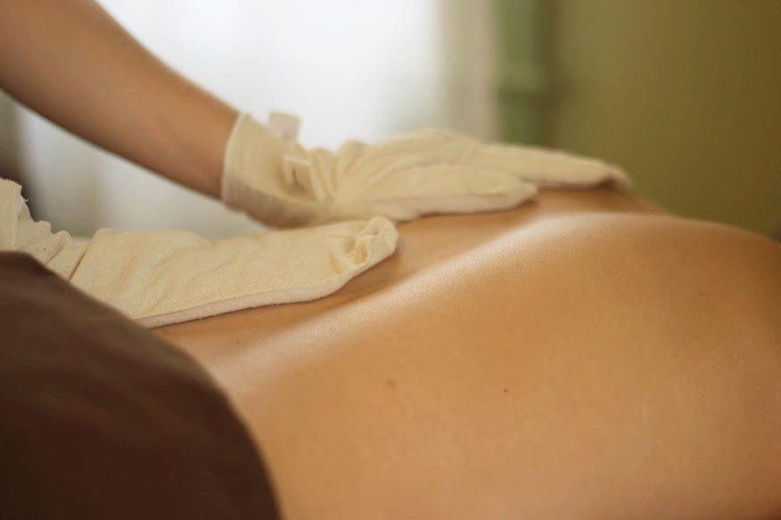 Abhyanga Garshana Massage 90min