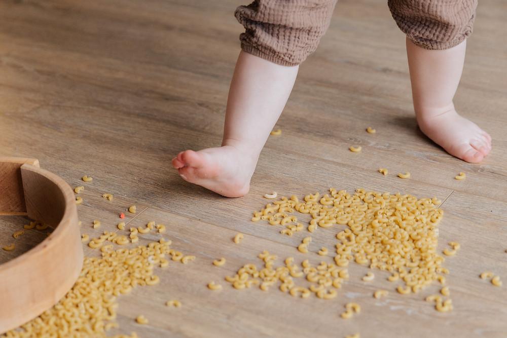 pieds nus de bébé, ostéopathe pédiatrique