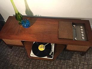 1960u0027s Coffee Table Stereo