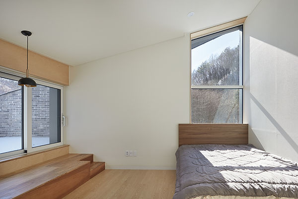 STUDIO EON_SLOPE HOUSE-W26.jpg