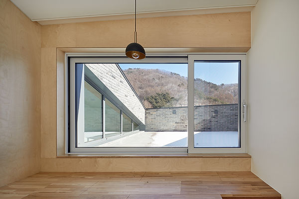 STUDIO EON_SLOPE HOUSE-W27.jpg