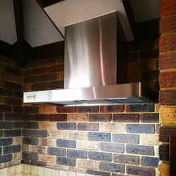 Always love seeing the Qasair hoods up and running. This one installed into a really nice farmhouse.