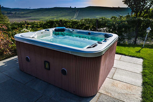 beautiful-spa-jacuzzi-overlooking-green-