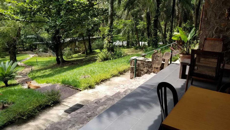 front-patio-of-lola-ya-bonobo.jpg