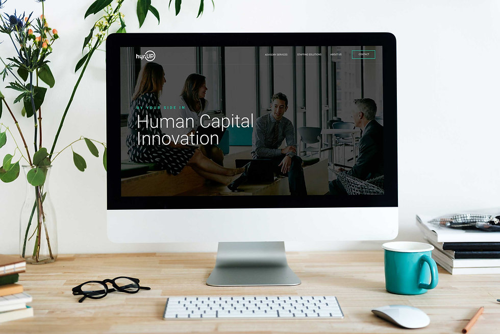 desktop-computer-mockup-of-hyrup-website