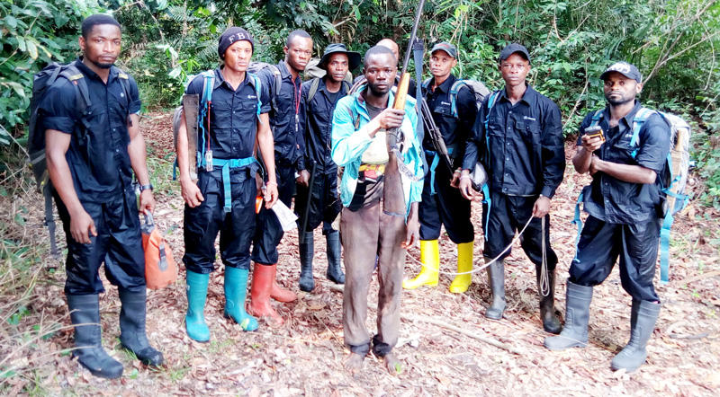 ecoguards-mixed-team-arresting-poacher.j
