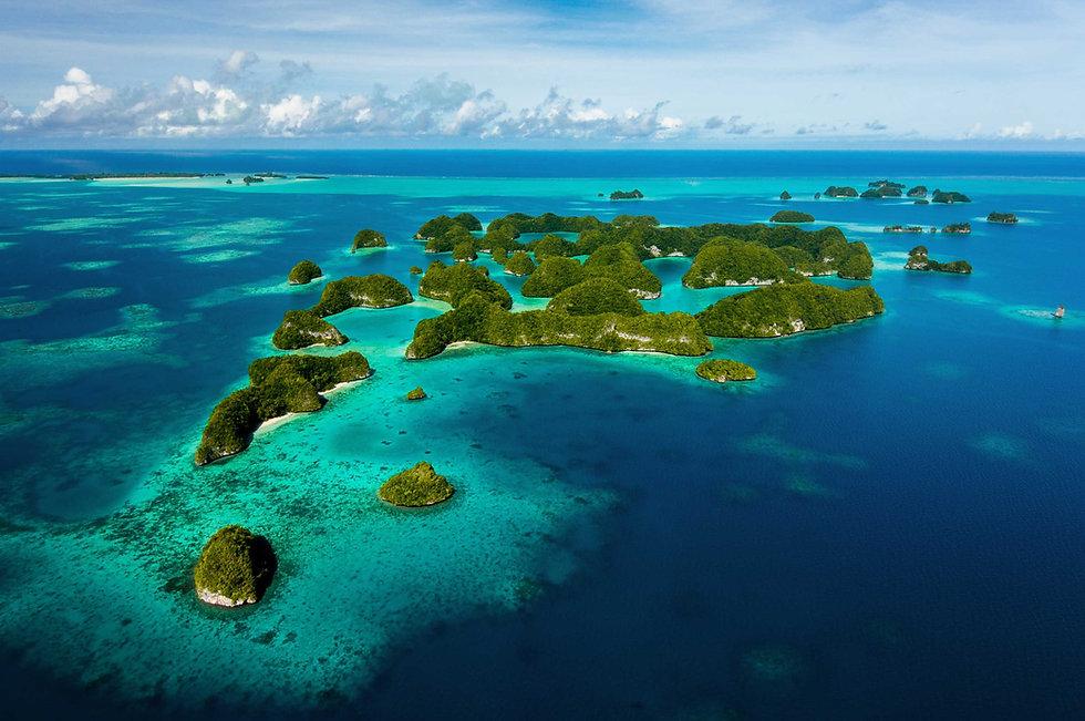 indonesian-islands-in-the-blue-ocean.jpg