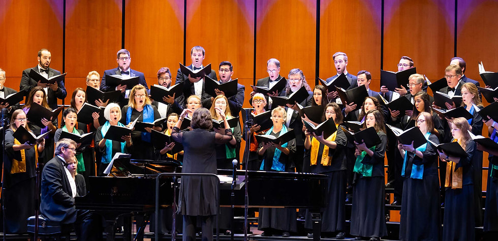 Karen Kenaston French conducts the Fort Worth Chorale