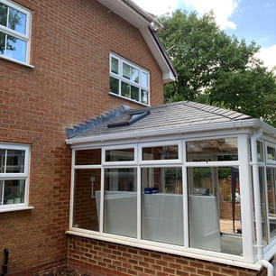 Conservatory with Tiled Roof and Opener