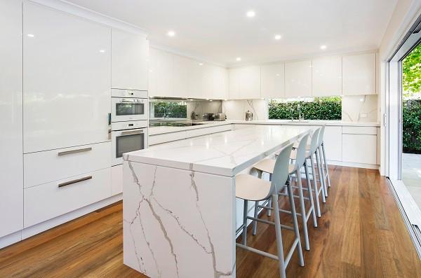 quartz-benchtop-calacatta-dan-kitchens.j