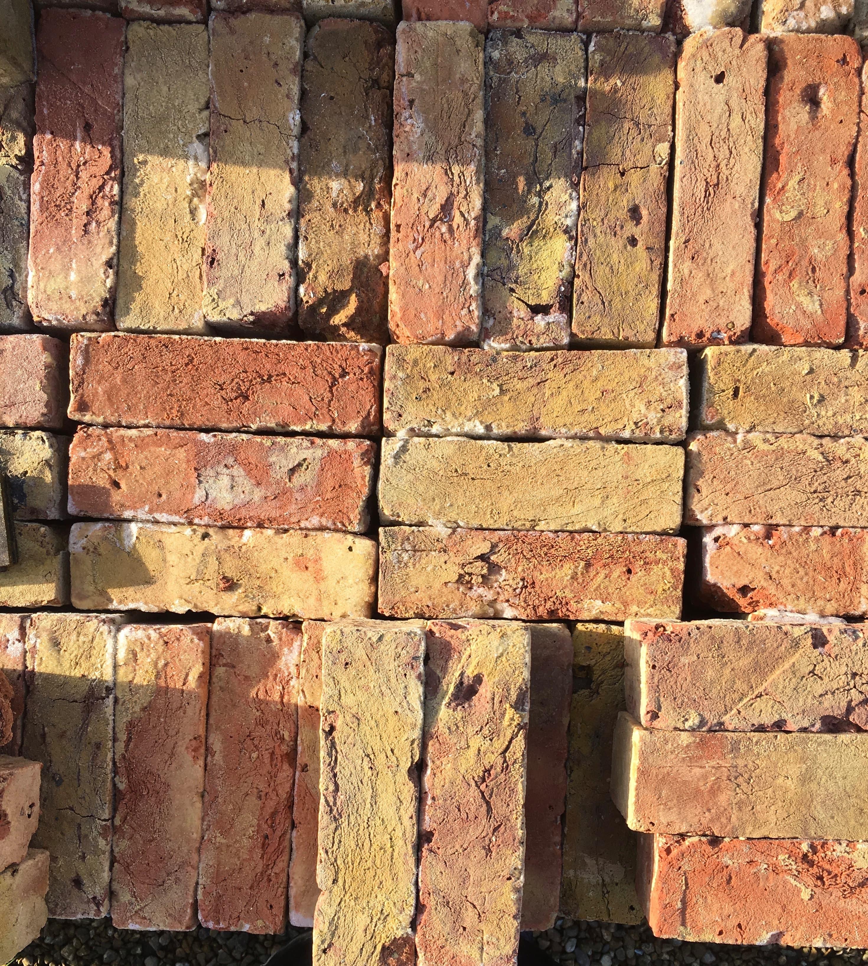 slider 3 bricksjpg-min