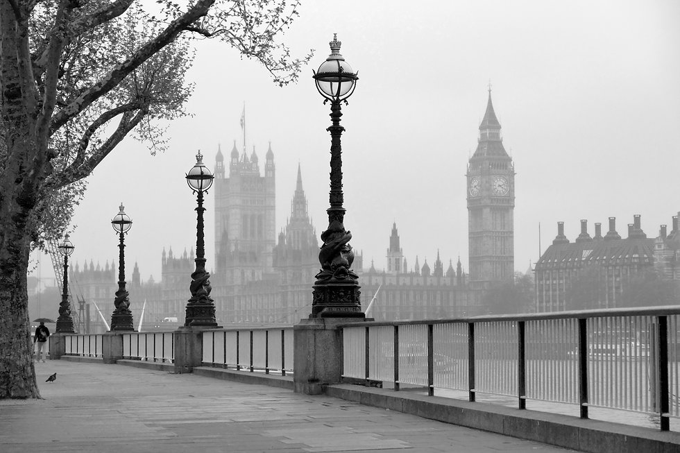 Big Ben & Houses of Parliament, black an