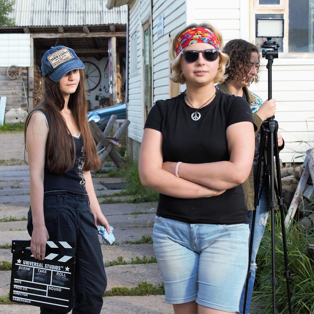 Наша команда девушек - профессионалов кино