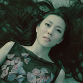 Kimura Yoshino wears Alexander McQueen #484, 2007