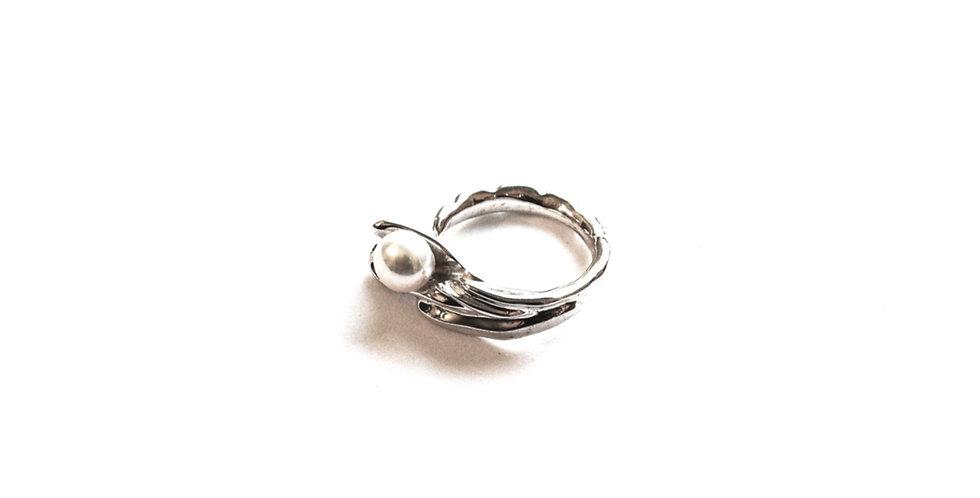 Chorda Filum Ring with White Pearl