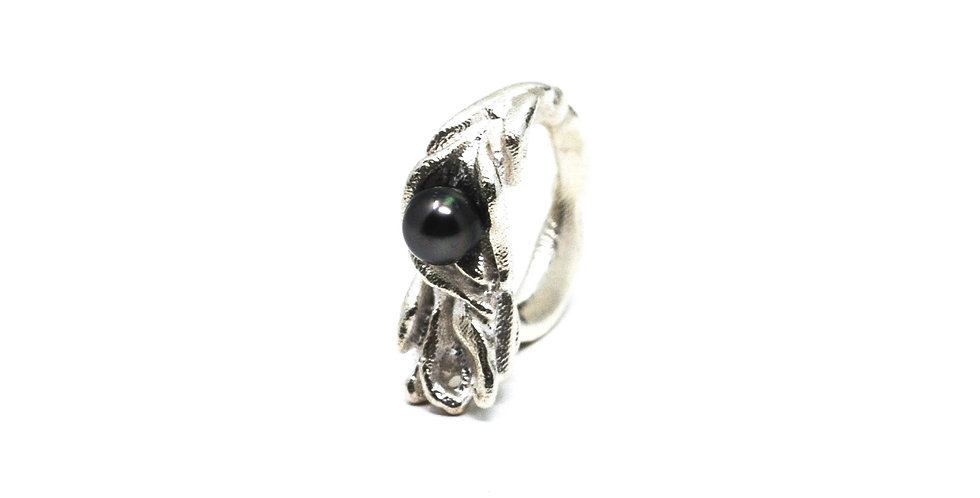 Eudesme Ring - Natural finish with Black Tahitian Pearl