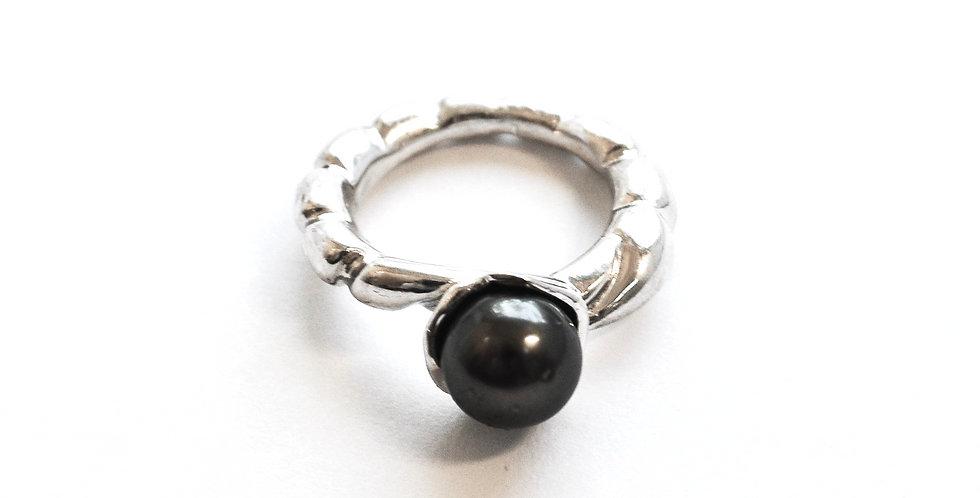 Arame Splash Cup Ring Black Pearl