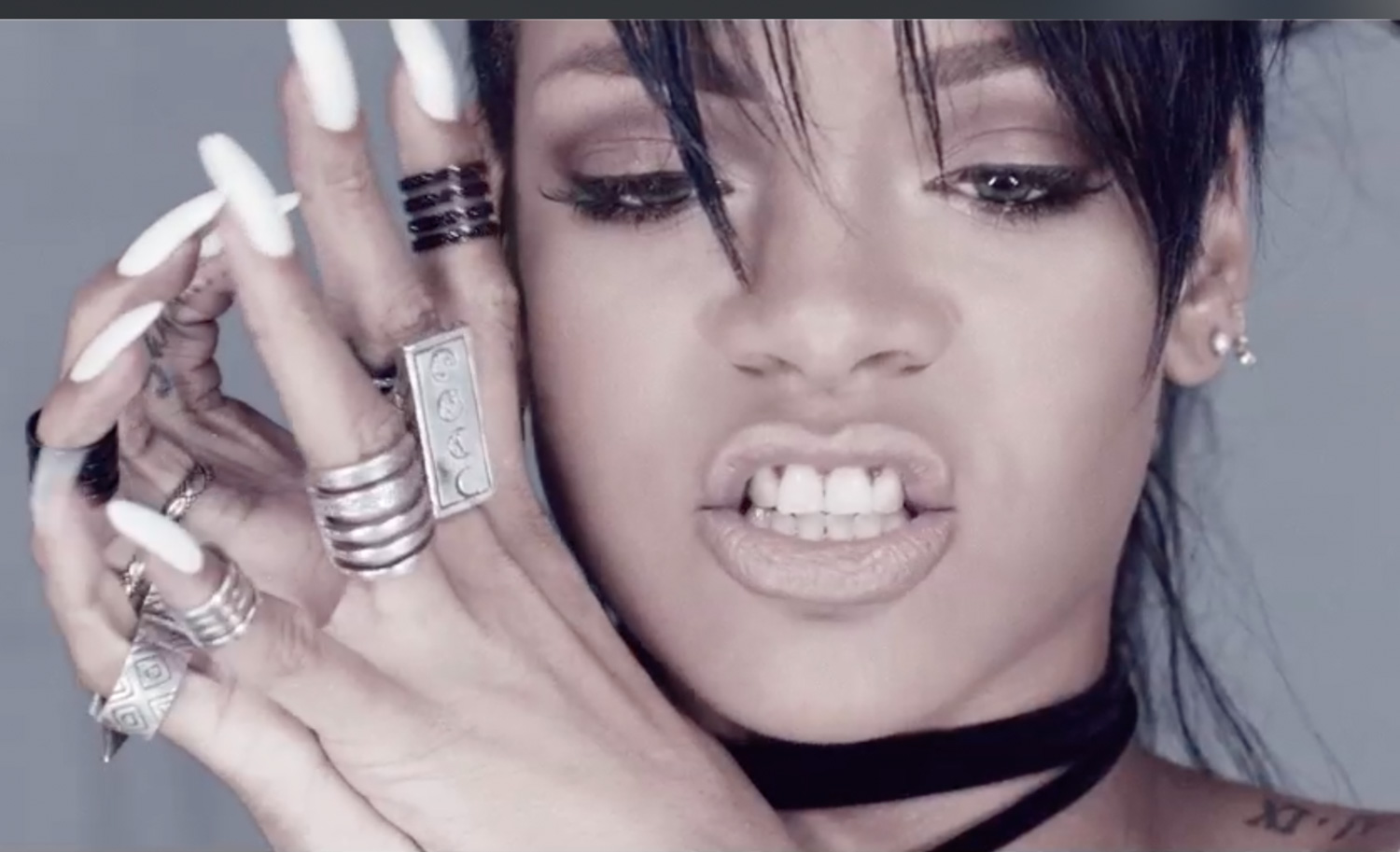 RIHANNA-WHAT-NOW-5