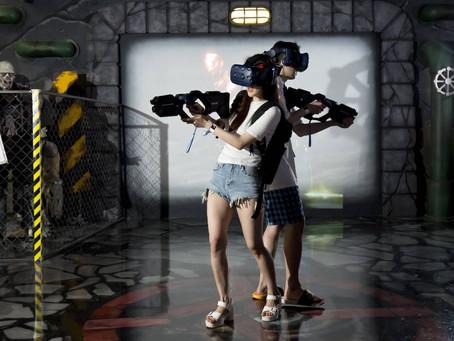 [백화점으로 놀러간다] 백화점 첫 VR 테마파크…곳곳 비명·환호성