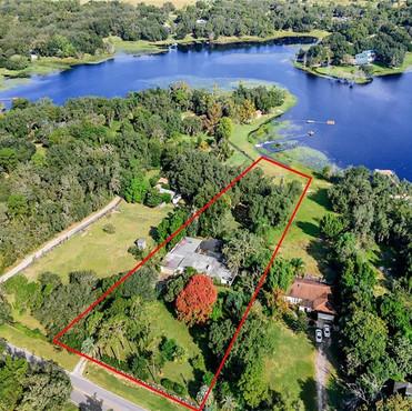 17429 Davenport Road Winter Garden, FL 34787  3 BD | 2 BA | 2,795 SF  Sold