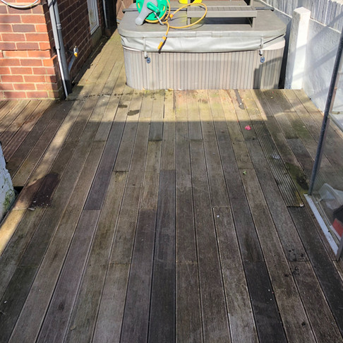 When You Want Your Decking Cleaning in Ilkley Call 01274 947000