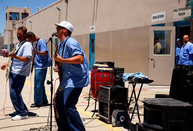 Inmates sing in Lancaster during JGD