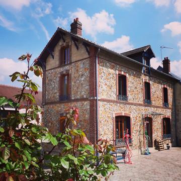 L'atelier à La Cour des Arts de Vauréal (95).