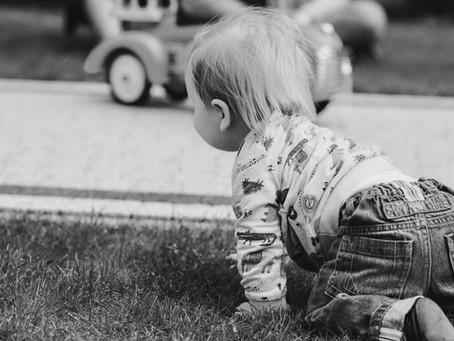 L'importance de laisser bébé libre de ses mouvements
