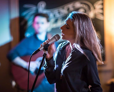 Claudia Hoyser Live at Label 7