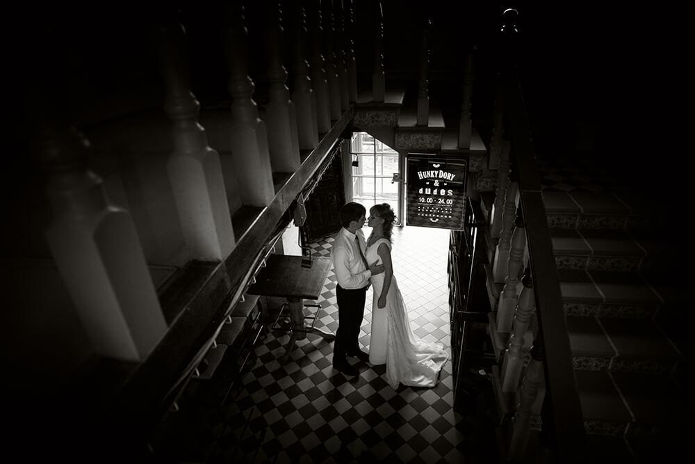 Черно-белая свадебная фотосъёмка