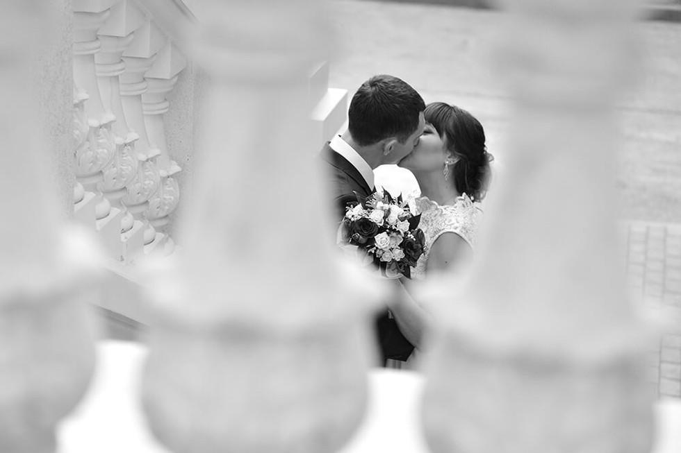 Красивое чёрно-белое свадебное фото