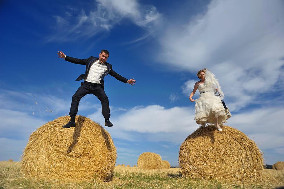 Свадебная фотосессия в поле