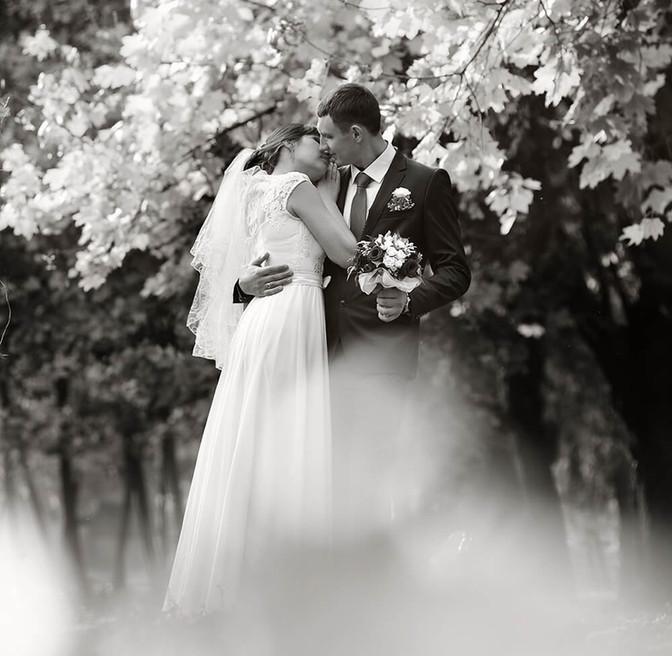 Уличная свадебная фотография
