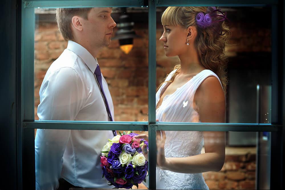 Оригинальное фото жениха и невесты