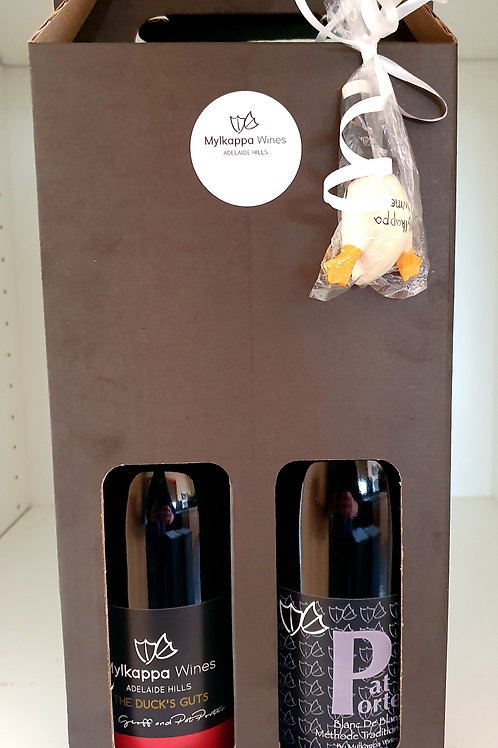 Gift Pack Pinot Noir, Blanc de Blanc and one stopper