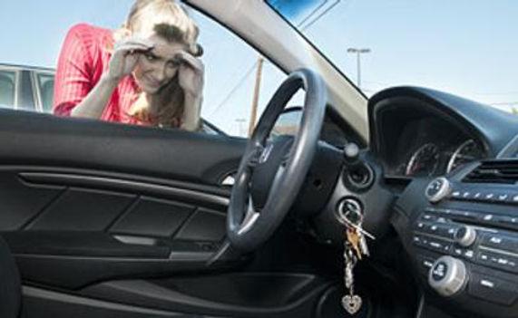 LOCKED-KEYS-IN-CAR.jpg