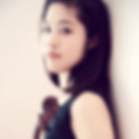Manaka Headshot 2016 2.jpg