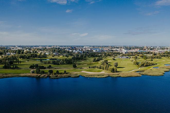 Ozo Golf lake.jpg