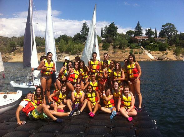 Actividades colegios instituto acuaticas vela piragua Madrid Burguillo Avila Fin de curso viaje